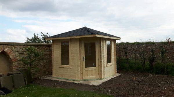 Corner Cabin uk al timber