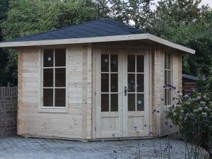 Corner Cabin Amber1